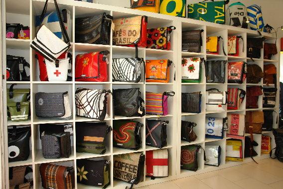 stauraum taschen und andere begleiter in potsdam charlottenstr 94. Black Bedroom Furniture Sets. Home Design Ideas